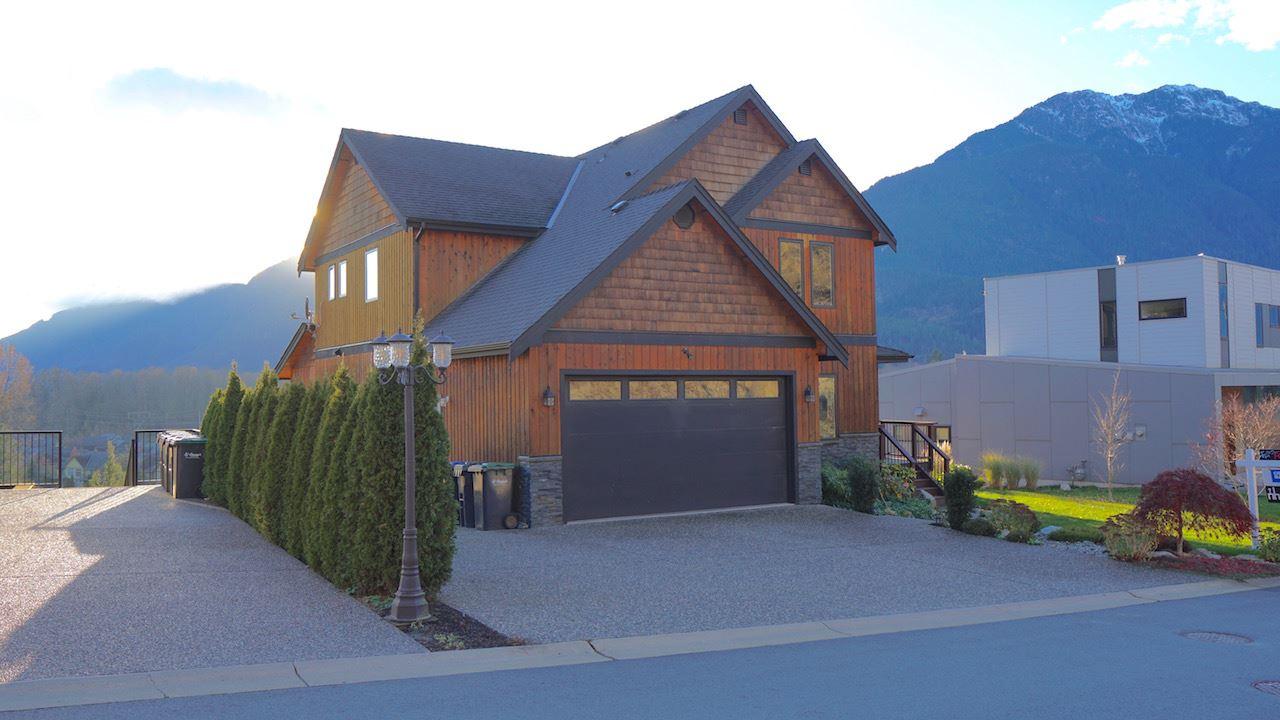 41185 ROCKRIDGE Tantalus, Squamish (R2194359)