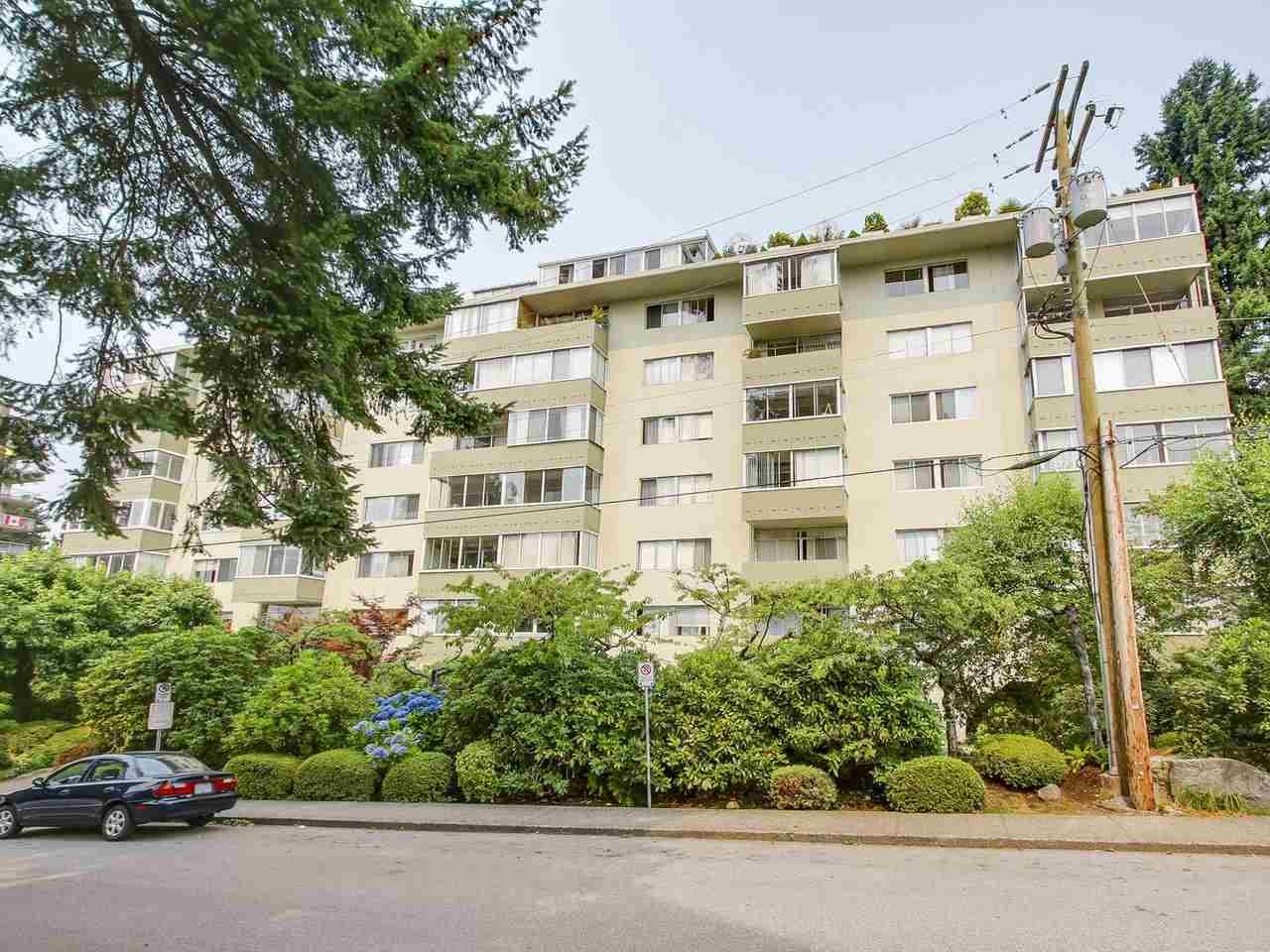 606 1425 ESQUIMALT AVENUE, West Vancouver