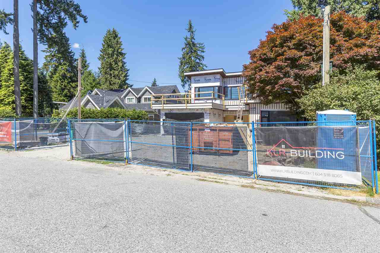 1120 TALL TREE LANE, North Vancouver