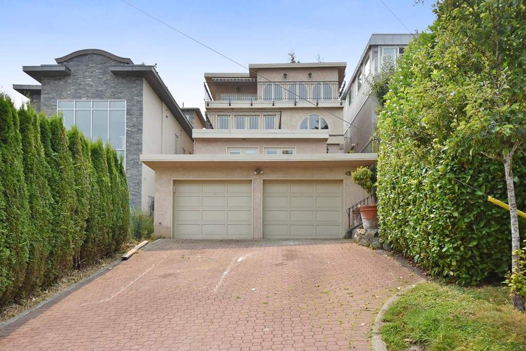 4410 W 3RD Point Grey, Vancouver (R2195951)