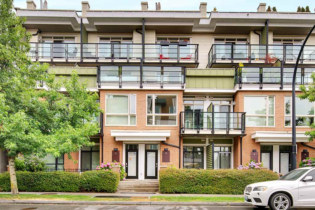 2 728 W 14TH STREET, North Vancouver