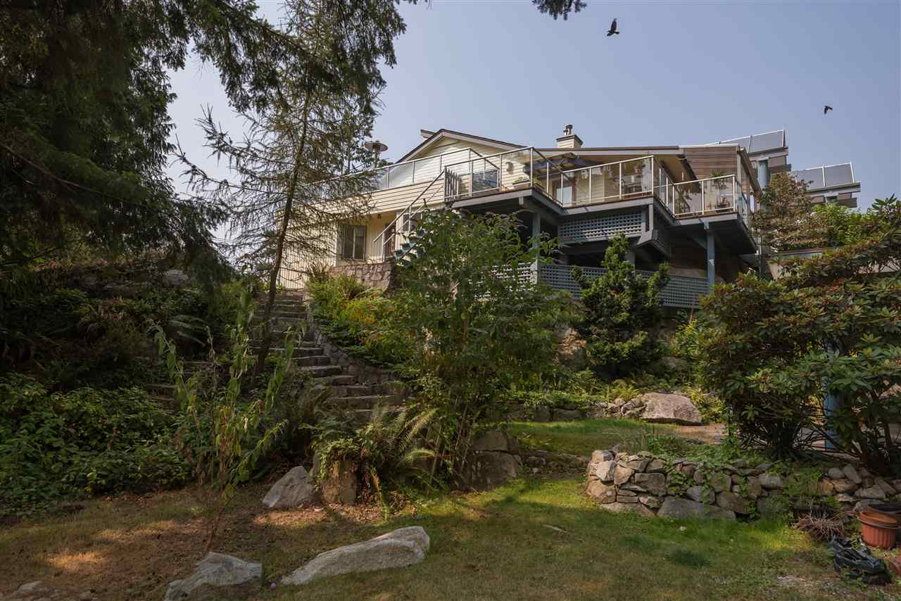 4048 ROSE CRESCENT, West Vancouver