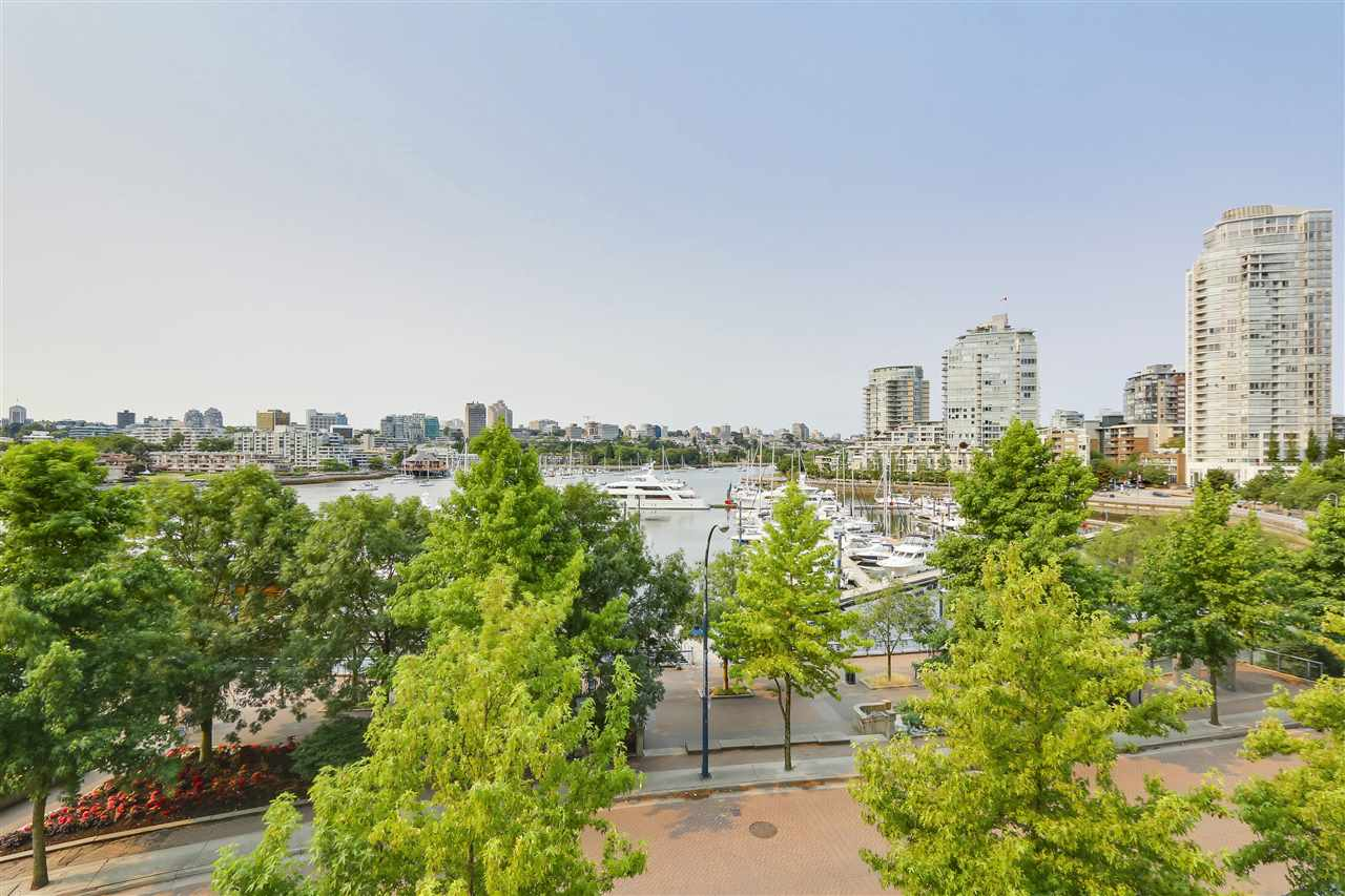 3A 1067 MARINASIDE CRESCENT, Vancouver