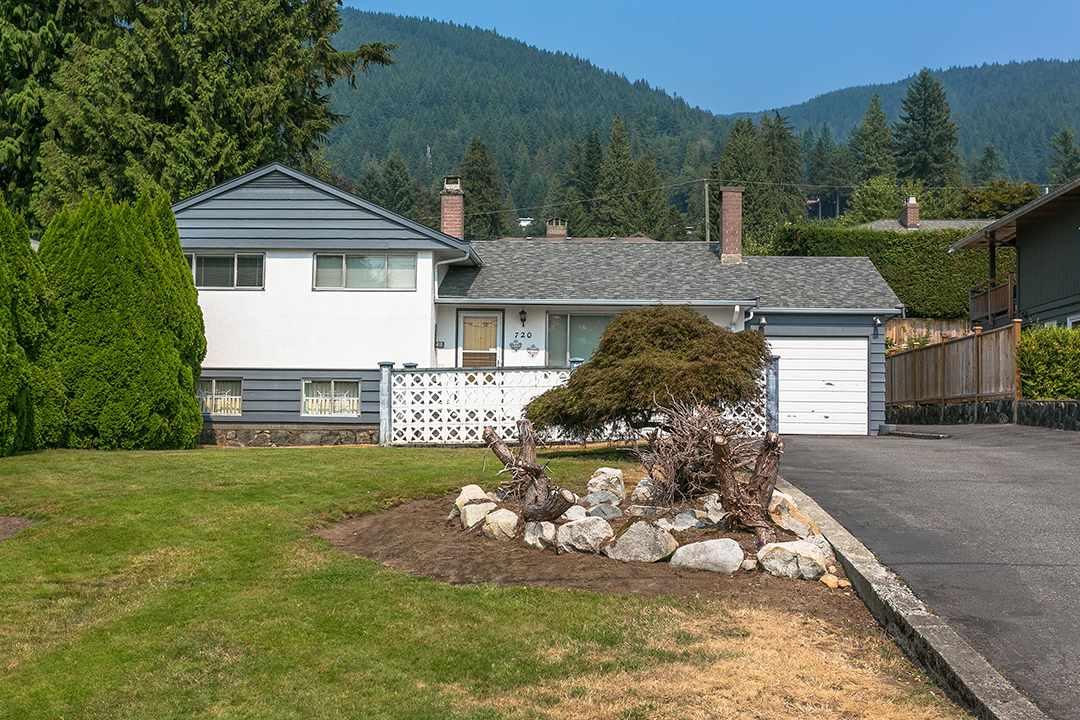 720 WINONA AVENUE, North Vancouver