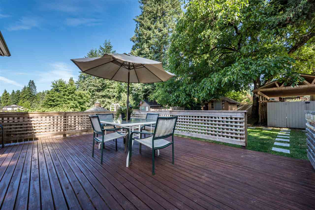 526 W 23RD STREET, North Vancouver