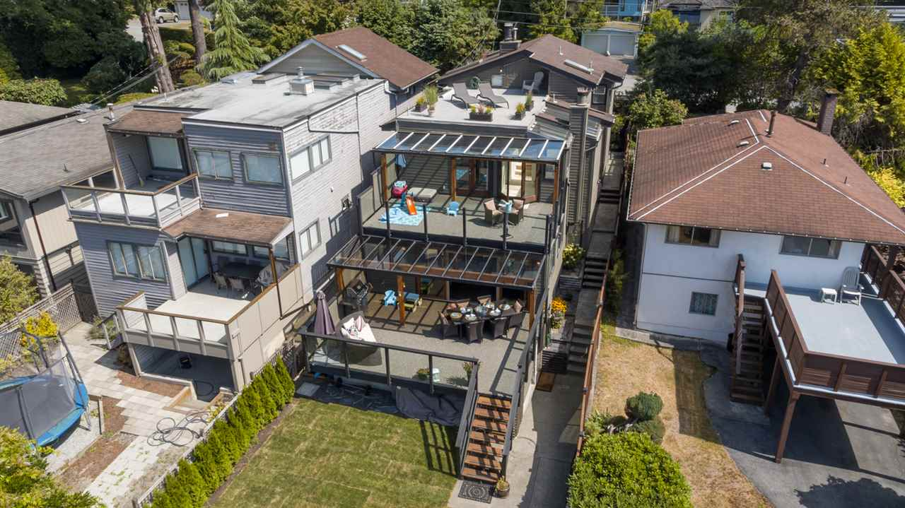 3435 ST. GEORGES AVENUE, North Vancouver