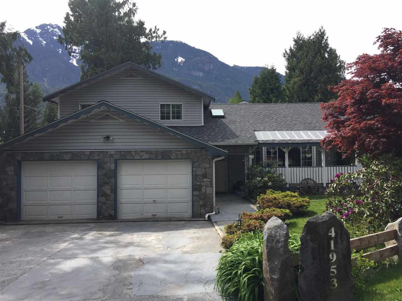 41953 GOVERNMENT ROAD, Squamish