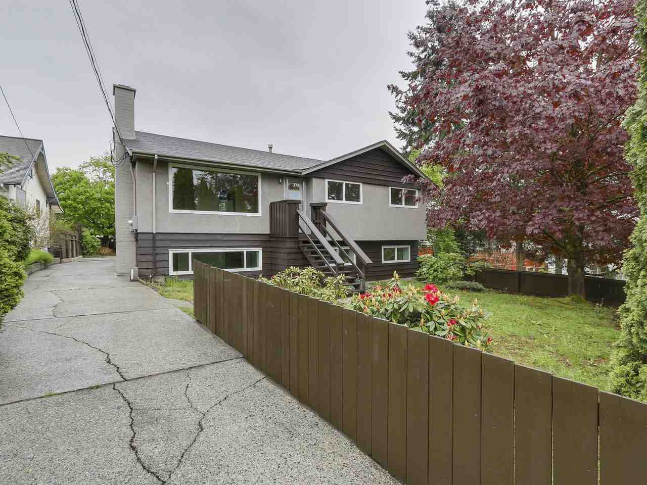 371 BLUE MOUNTAIN STREET, Coquitlam