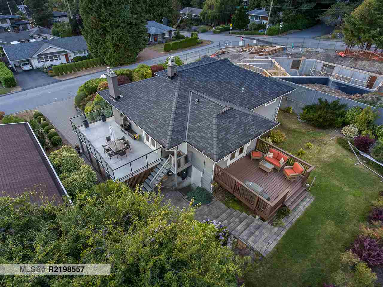 4484 CANTERBURY Forest Hills NV, North Vancouver (R2198557)