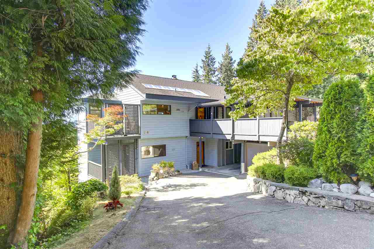 2141 GRAND Boulevard, North Vancouver (R2200882)