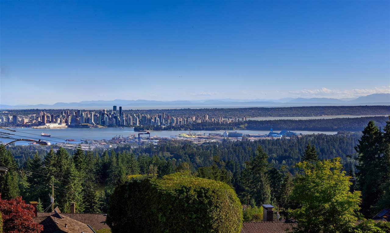 212 NEWDALE COURT, North Vancouver