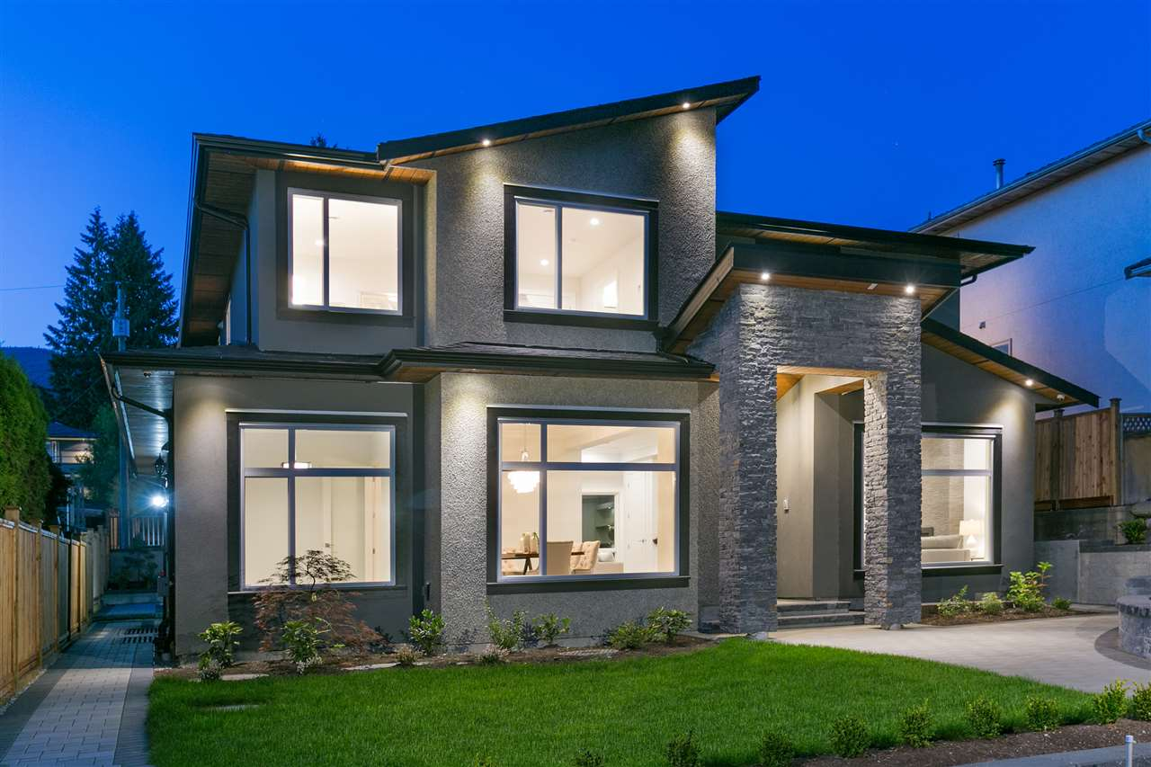 218 W 26TH STREET, North Vancouver