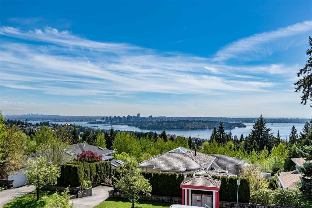 1525 TYROL Chartwell, West Vancouver (R2202458)