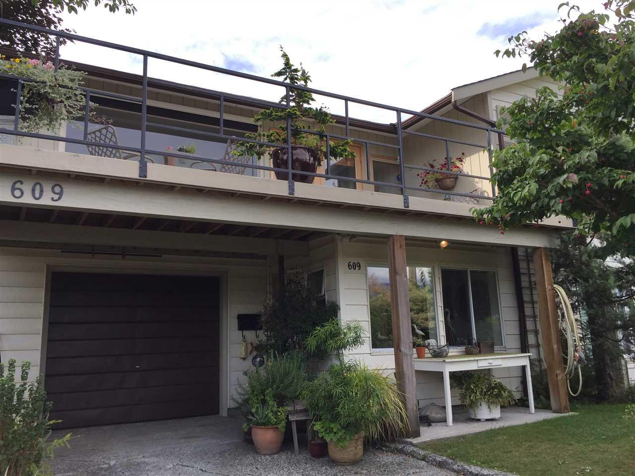 609 BAYCREST Dollarton, North Vancouver (R2204433)