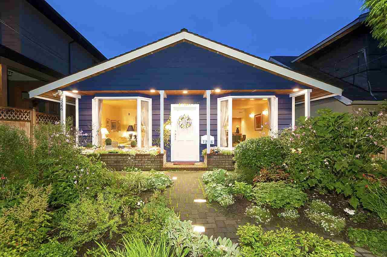 1266 DUCHESS Ambleside, West Vancouver (R2204754)