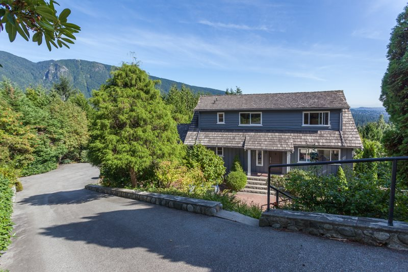 570 ST. ANDREWS Glenmore, West Vancouver (R2206643)