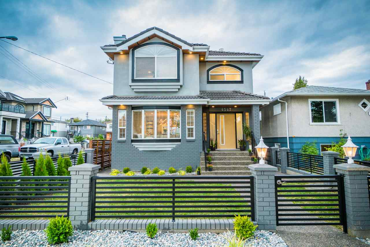 4547 PERRY Knight, Vancouver (R2207865)