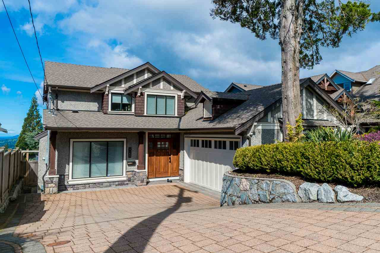 4169 ST. GEORGES AVENUE, North Vancouver