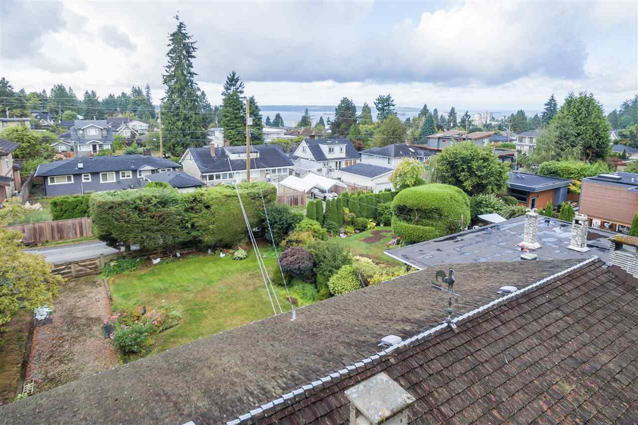 1052 LAWSON Sentinel Hill, West Vancouver (R2208597)