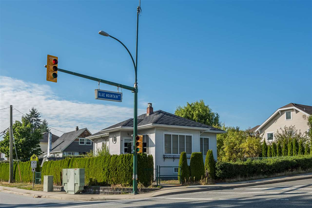 264 BLUE MOUNTAIN STREET, Coquitlam