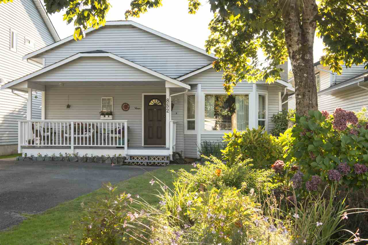 852 NAIRN Roche Point, North Vancouver (R2209511)