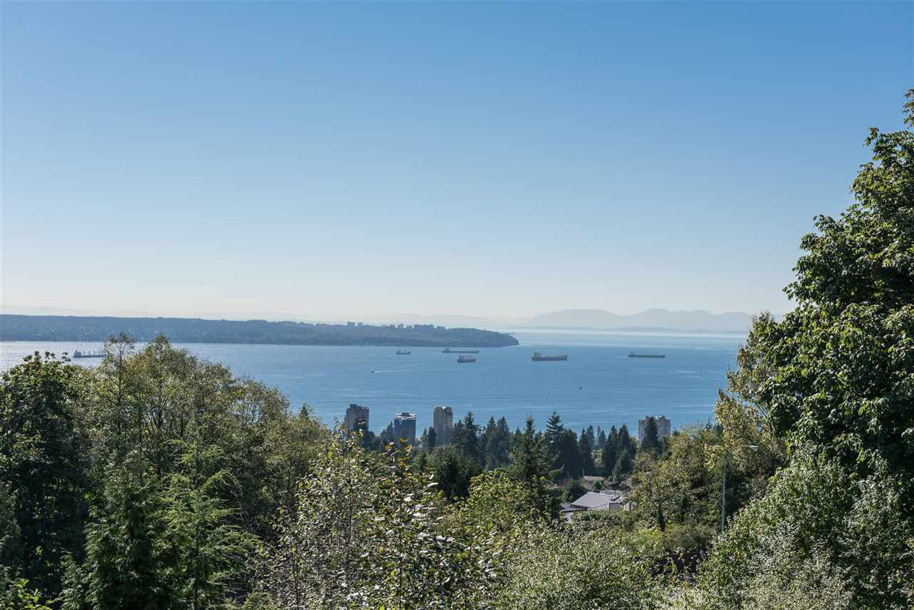 1576 TYROL Chartwell, West Vancouver (R2210710)