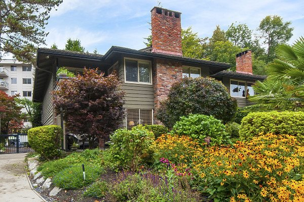 702 235 KEITH ROAD, West Vancouver