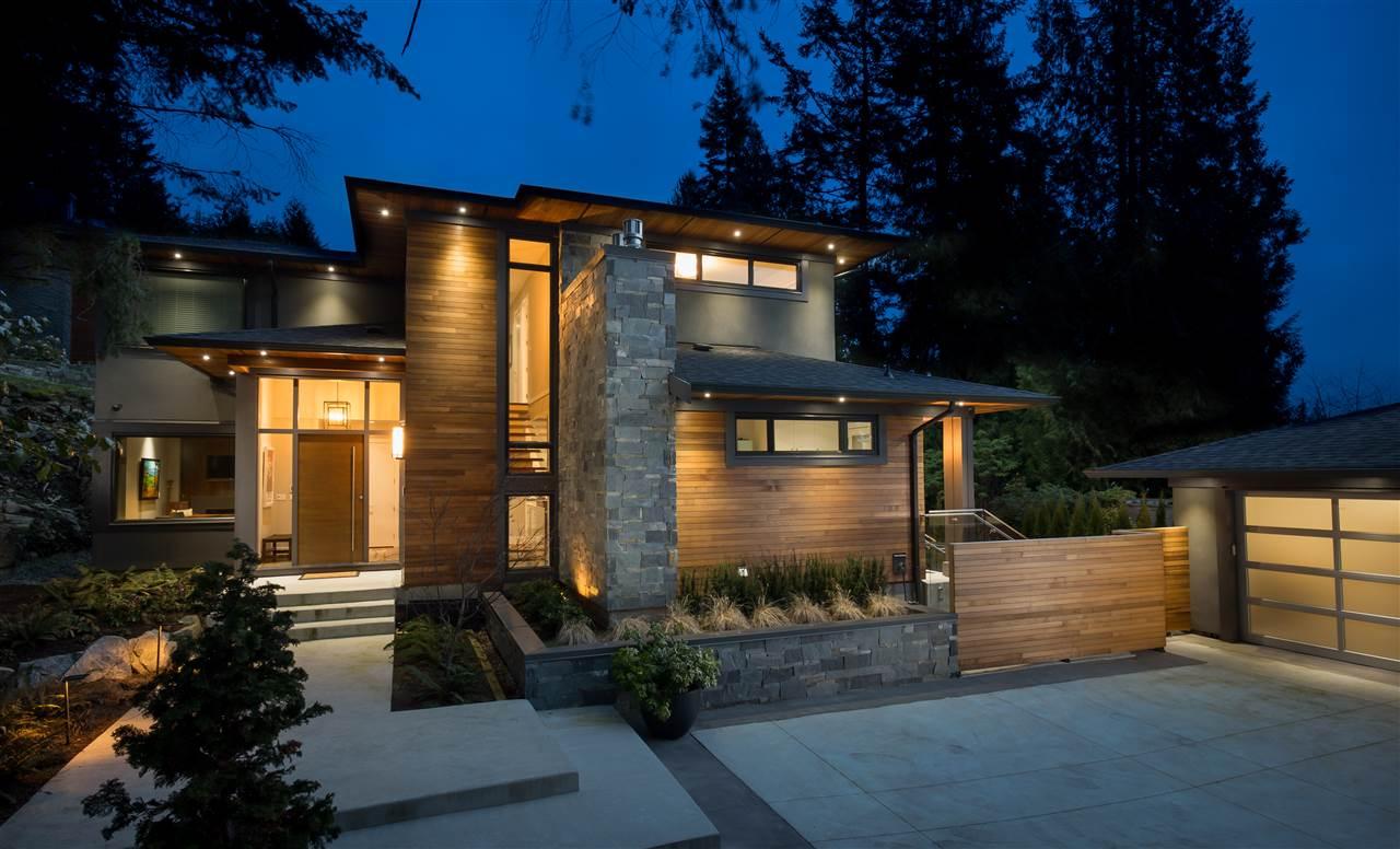 4090 ALMONDEL Bayridge, West Vancouver (R2211455)