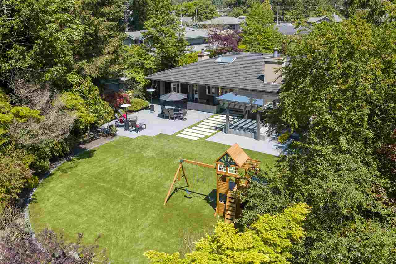 2853 CRESCENTVIEW DRIVE, North Vancouver