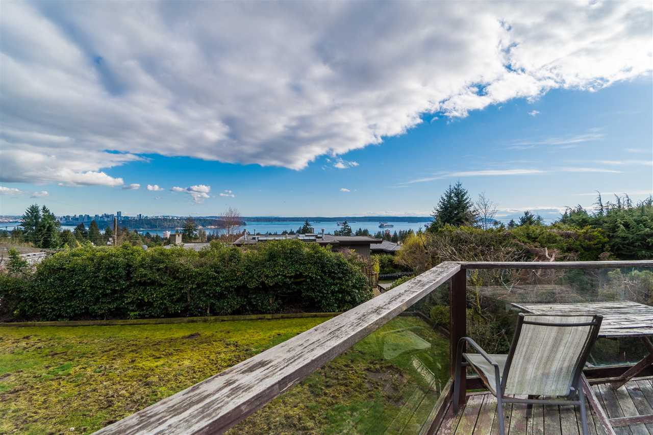 1802 ROSEBERY Queens, West Vancouver (R2214628)