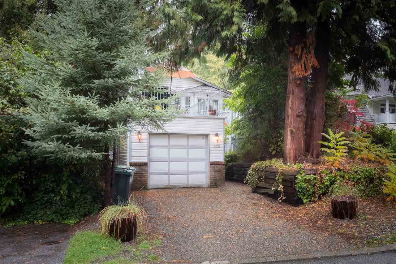1526 KILMER Lynn Valley, North Vancouver (R2215546)