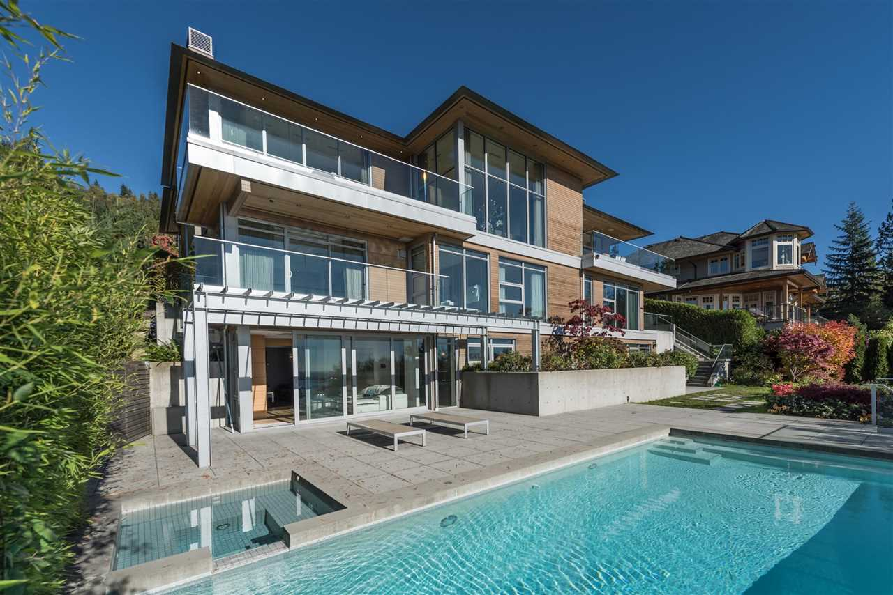 2526 CHIPPENDALE ROAD, West Vancouver