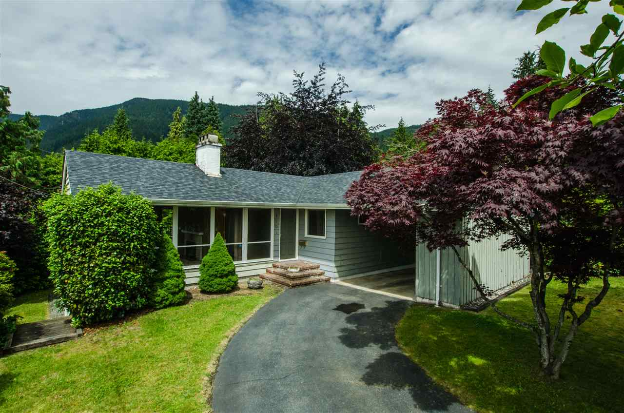 810 HANDSWORTH Canyon Heights NV, North Vancouver (R2216001)