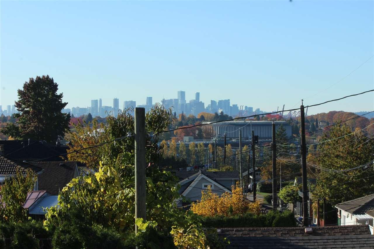 25 N KOOTENAY Hastings East, Vancouver (R2216114)