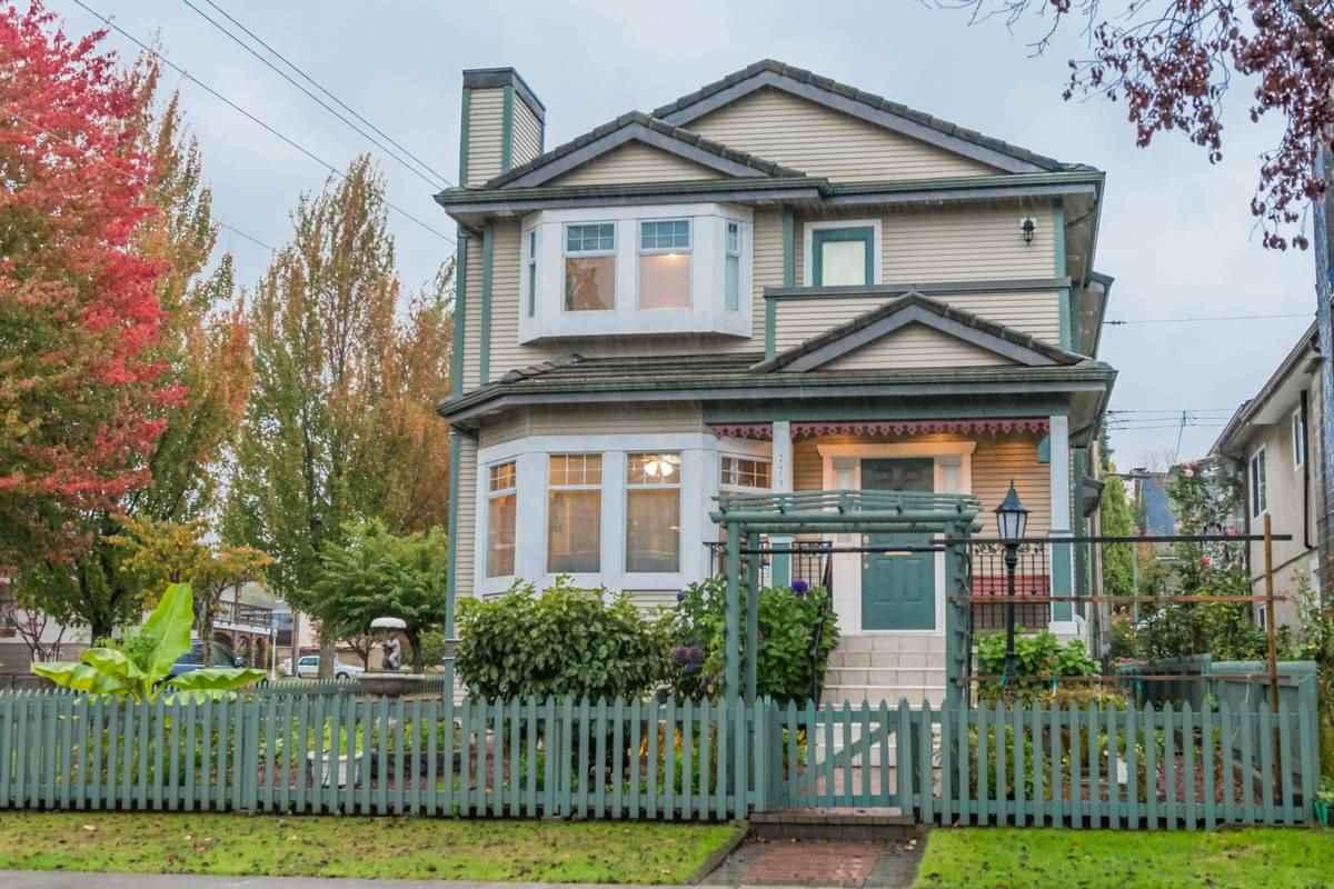 2796 NAPIER Renfrew VE, Vancouver (R2216246)