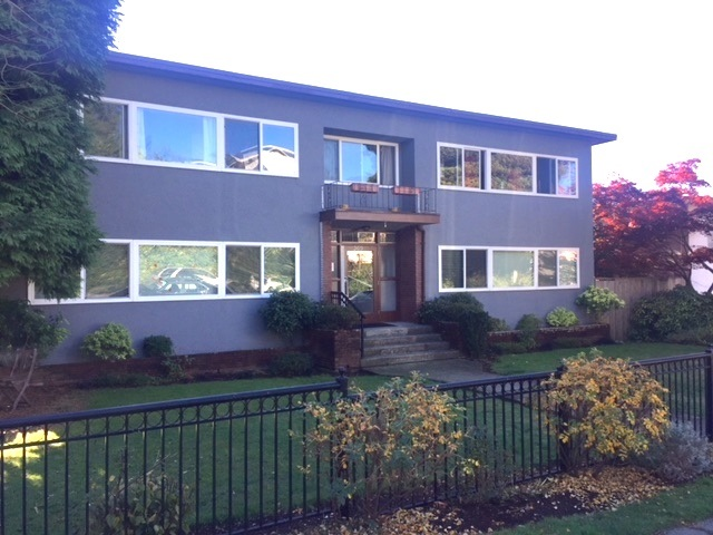 8 369 W 4TH STREET, North Vancouver