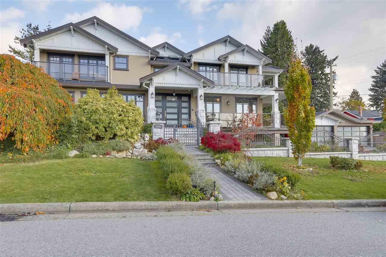 2640 JONES AVENUE, North Vancouver