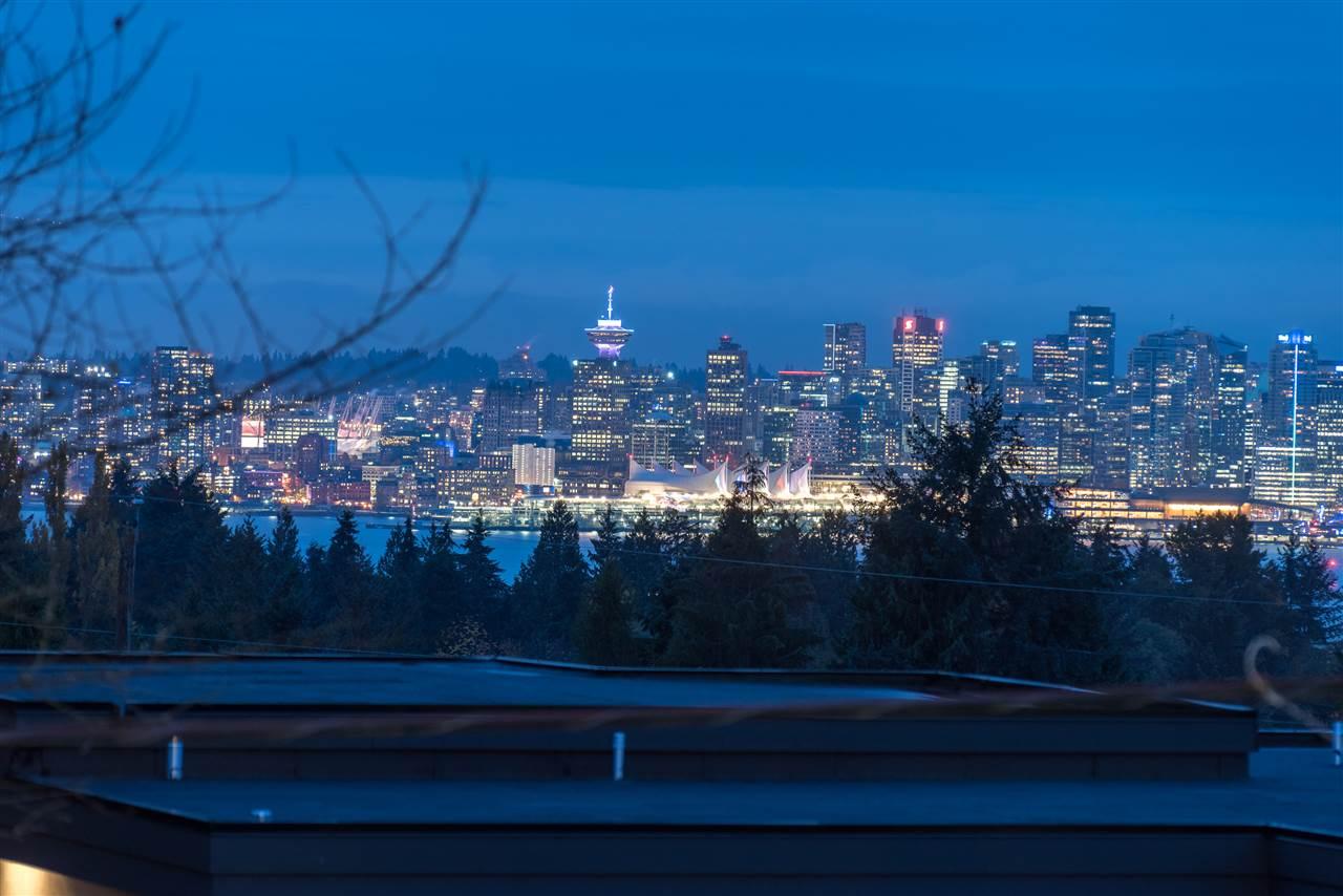 483 W QUEENS ROAD, North Vancouver