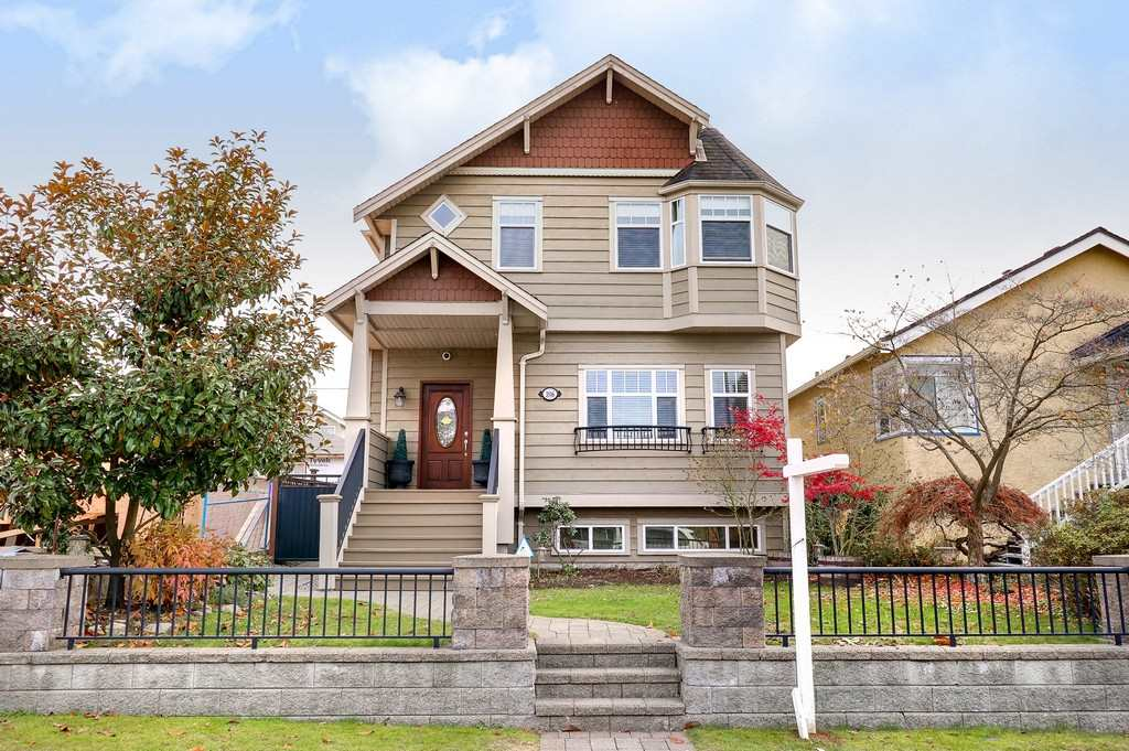 3516 DUNDAS Hastings East, Vancouver (R2221048)