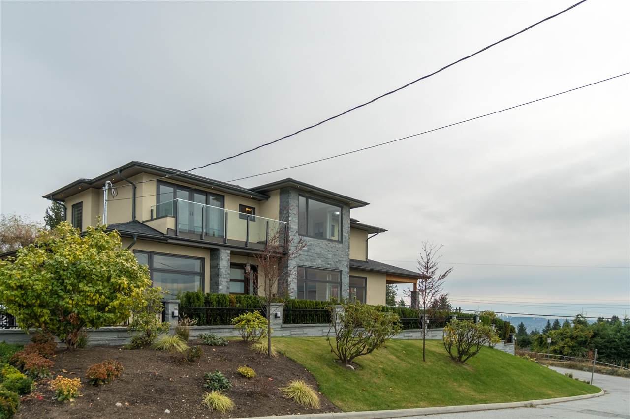 3968 ST. PAULS AVENUE, North Vancouver
