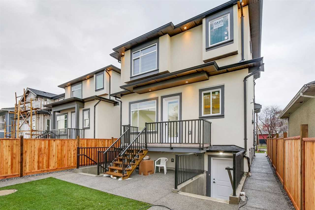 6977 BALMORAL Killarney VE, Vancouver (R2222076)