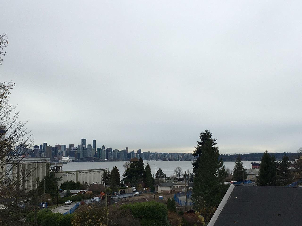 209 MOODY AVENUE, North Vancouver