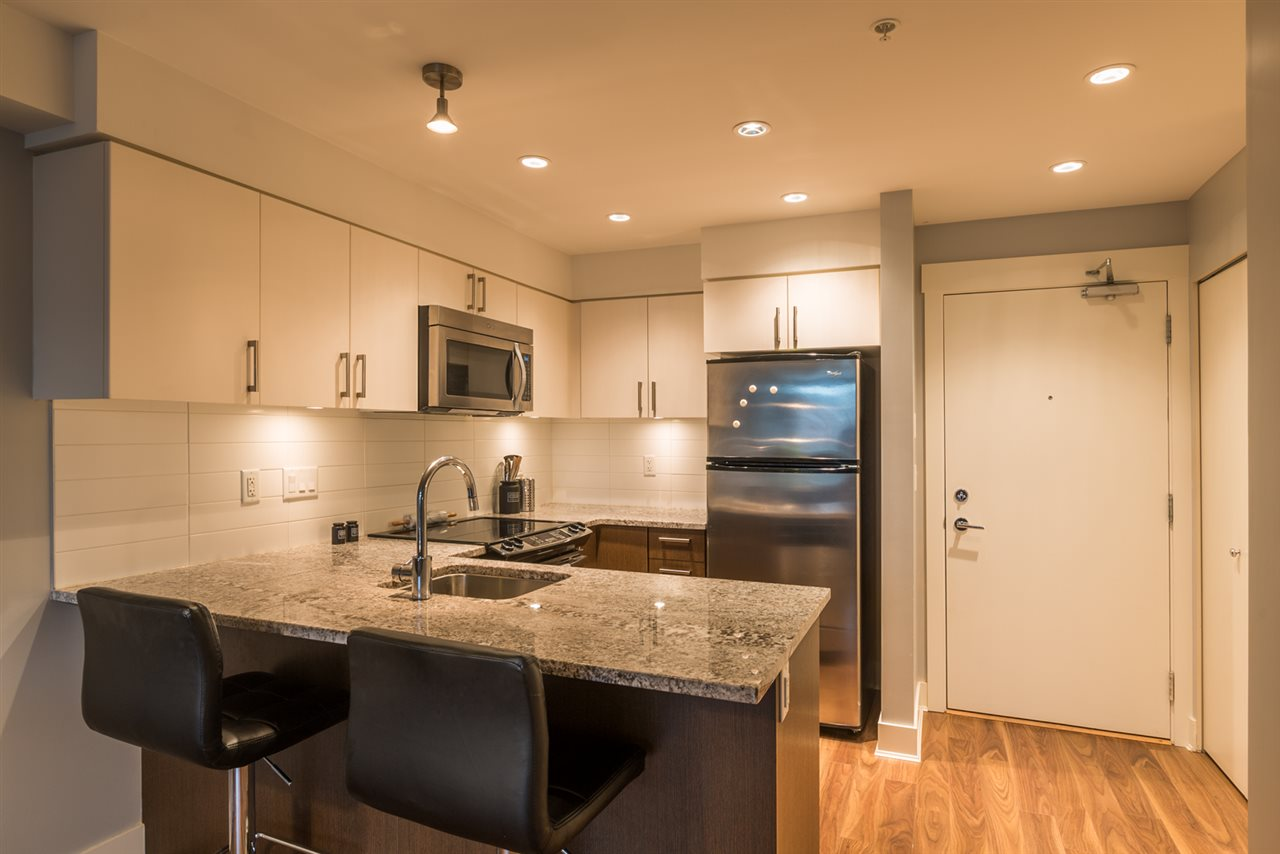 216 55 EIGHTH AVENUE, New Westminster