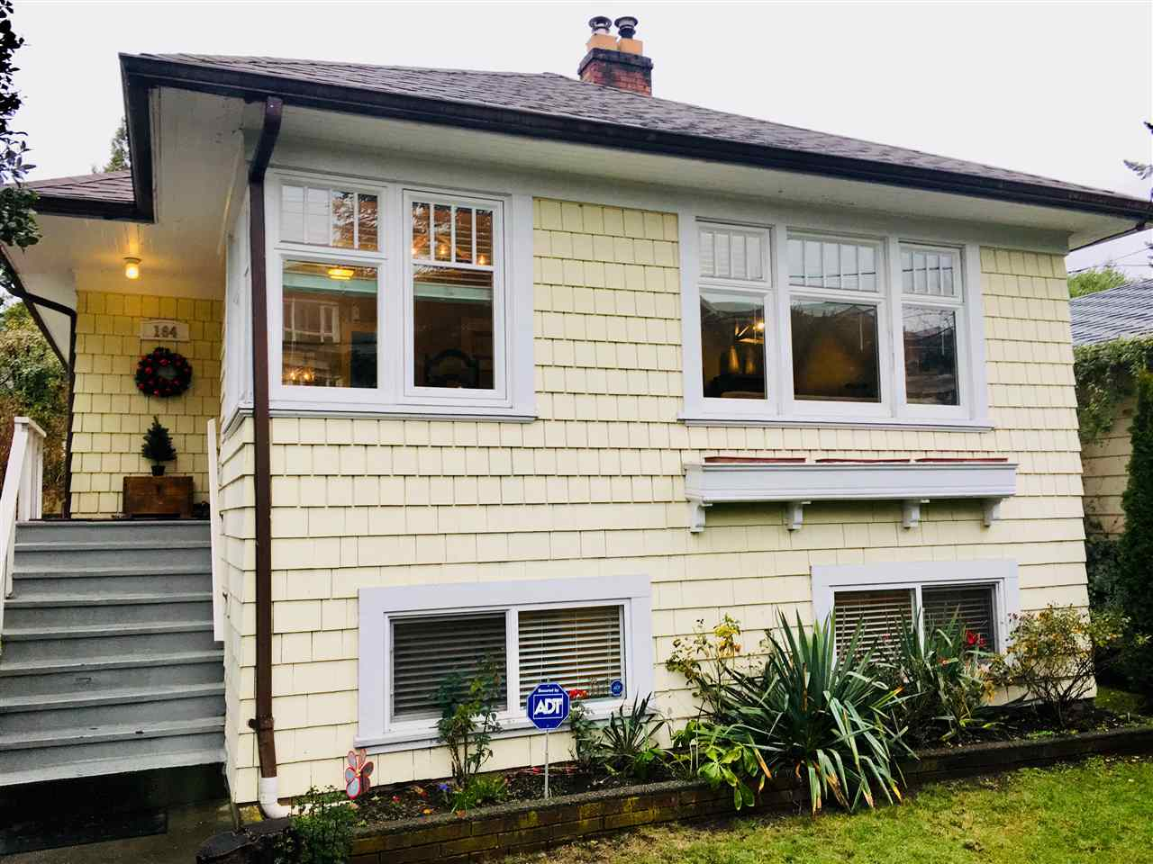 164 W 23RD STREET, North Vancouver
