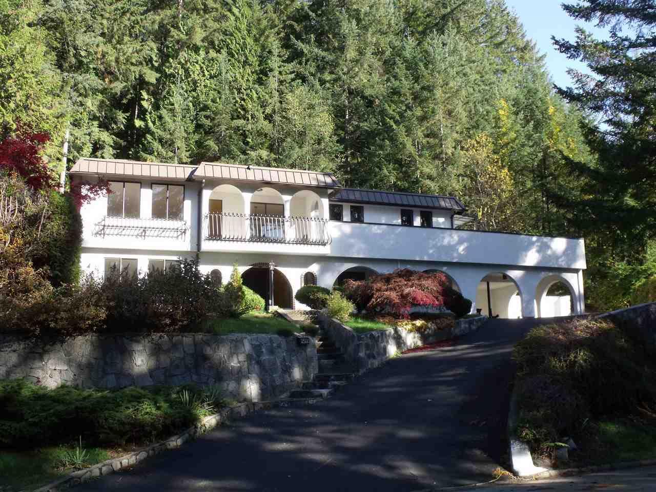 2322 HYANNIS Blueridge NV, North Vancouver (R2225428)