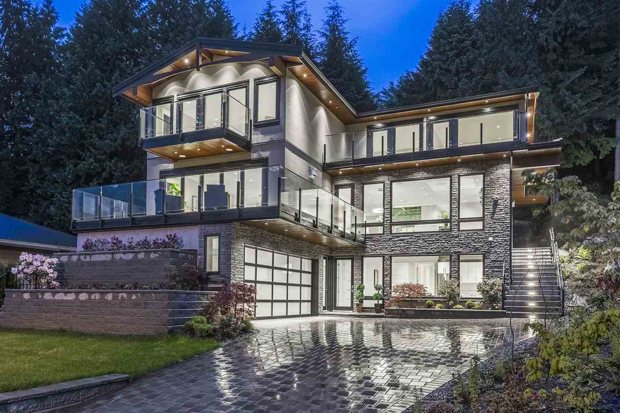 579 ST. GILES Glenmore, West Vancouver (R2226221)