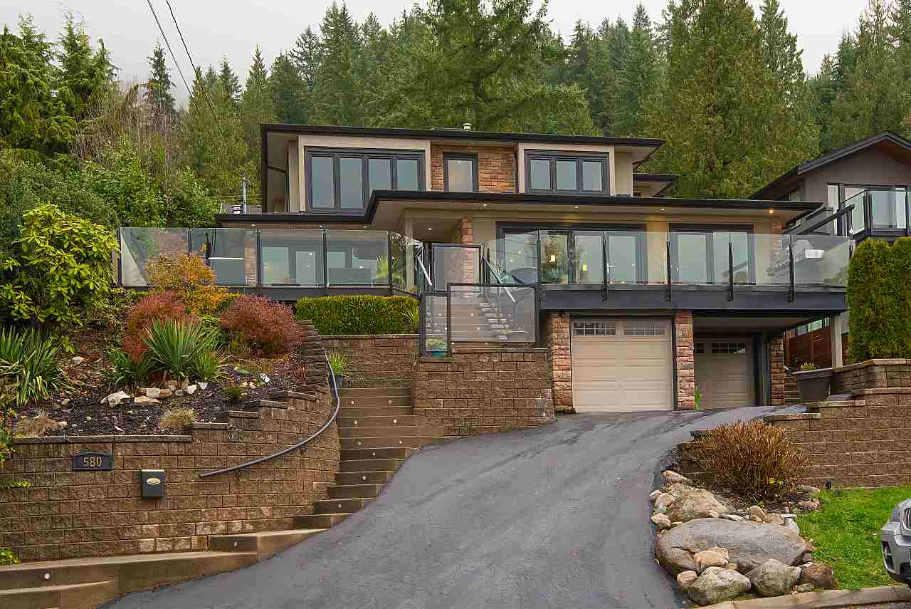 580 ALPINE Canyon Heights NV, North Vancouver (R2226503)