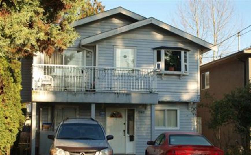 1580 BOND STREET, North Vancouver