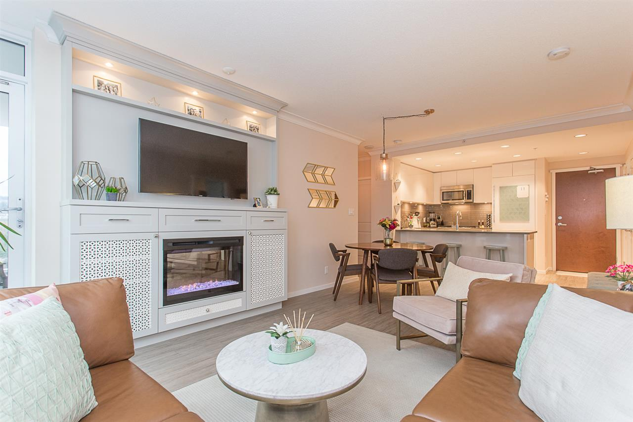 2205 3102 WINDSOR GATE, Coquitlam