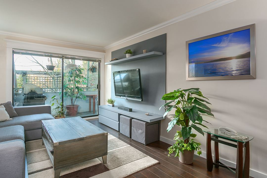 321 360 E 2ND STREET, North Vancouver